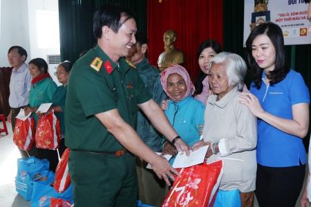 Quân đoàn 4 chăm lo thực hiện tốt công tác chính sách hậu phương Quân đội và phong trào Đền ơn đáp nghĩa