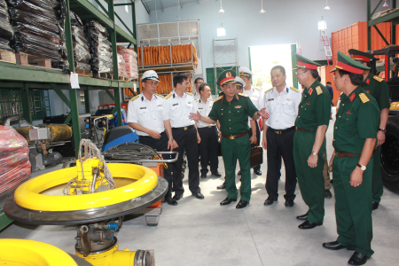 Quân đội tích cực tham gia tìm kiếm cứu nạn trên biển