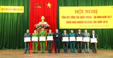 Tho Xuan district combines economic development with defence and security consolidation